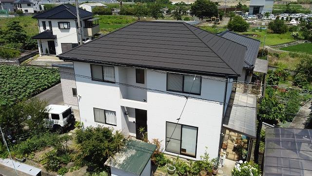 寄棟屋根のセネター