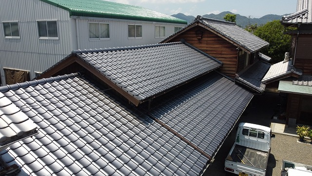 和型陶器瓦の屋根
