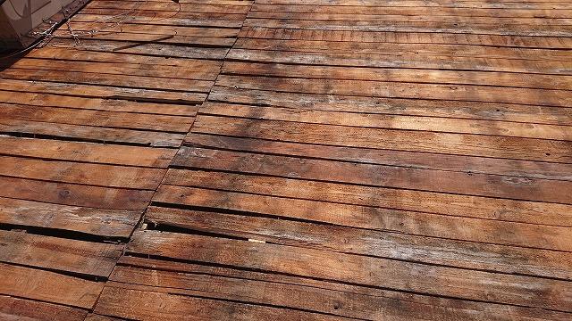 雨漏りで傷んだ屋根下地