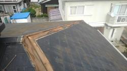 雨漏りで腐食した貫板