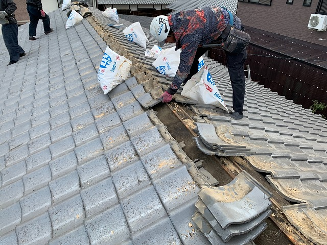 セメント瓦の剥ぎ