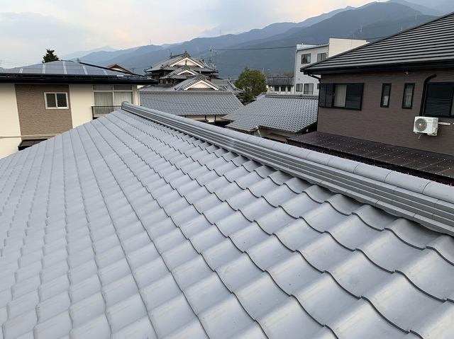 いぶし瓦で屋根葺き替え