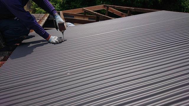 鉄板小波板の施工