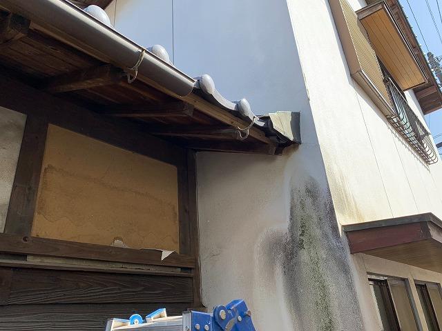 雨樋の取り替え部分の撤去