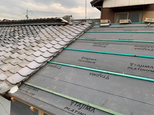 屋根葺き直し作業