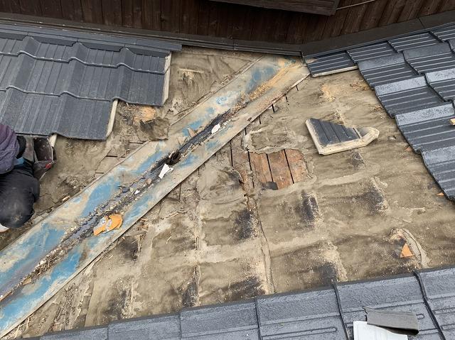 セメント瓦の解体