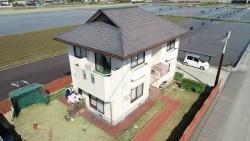 カラーベスト屋根の家