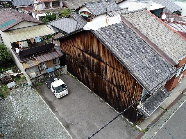 雨漏りの瓦屋根