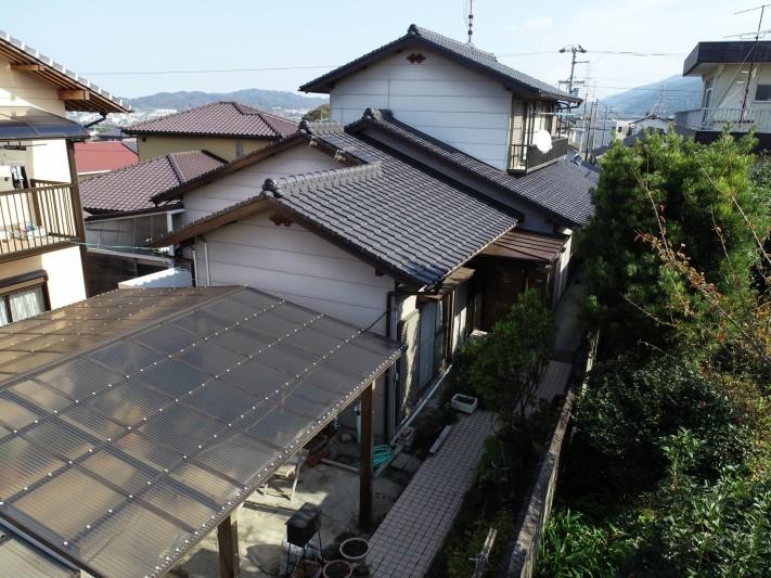 塗装したばかりの和型スレート屋根