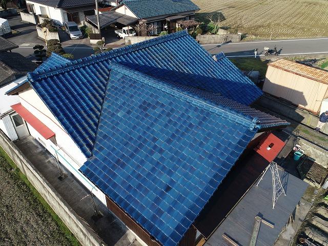 釉薬瓦屋根の全景