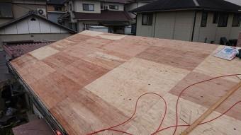構造用合板の屋根下地完成