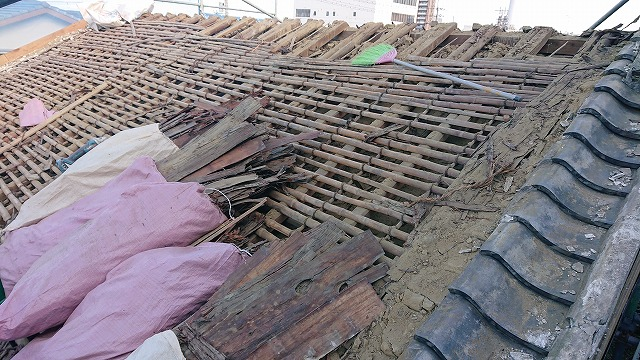 古い屋根下地