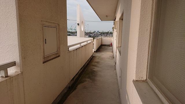 マンションの廊下