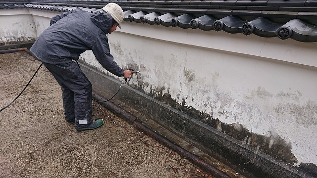 壁の高圧洗浄