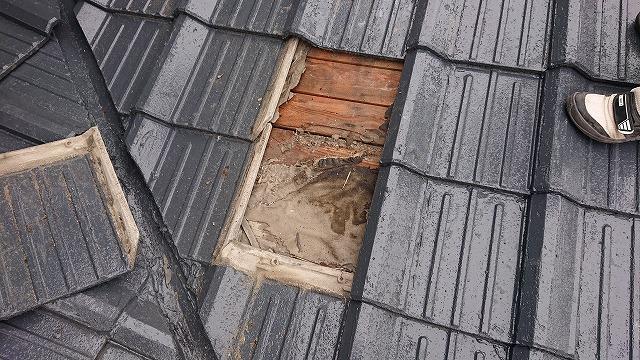 セメント瓦屋根の雨漏り調査