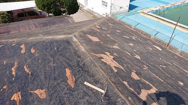 コロニアルを解体撤去し終わった屋根