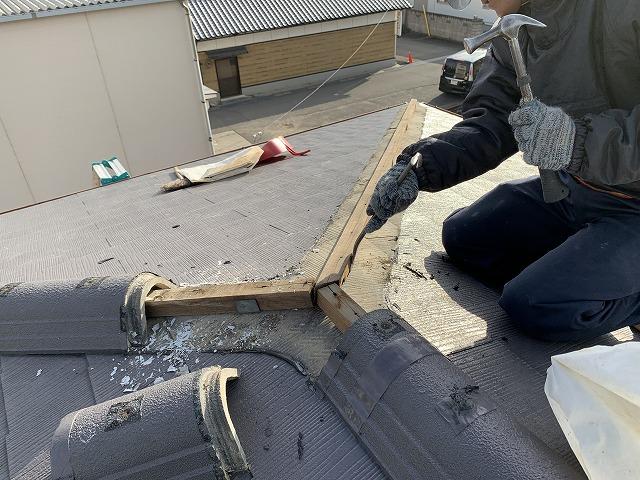 棟の芯木を解体