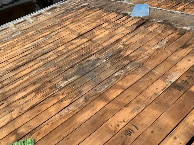 雨漏りにより傷んだ屋根下地