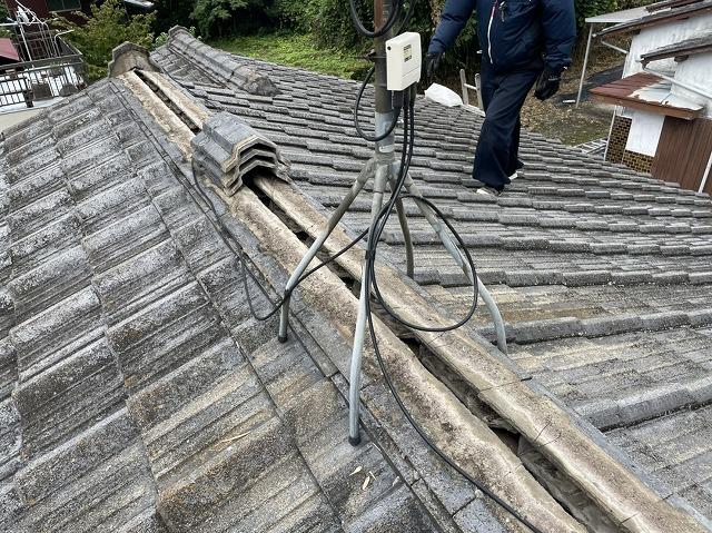 S型セメント瓦・棟部の解体